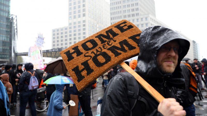 """""""Stay at home"""": lezioni e segnali sulla povertà abitativa in Europa"""